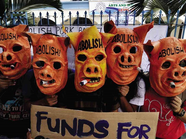 Protesters calling for 'pork barrel' to be abolished. Photo taken from www.inquirer.net
