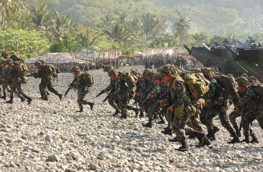 Philippine Marines enacting a shore landing during the Balikatan Exercises. Photo from Wikipedia.