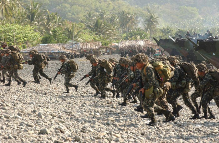 Philippine Marines enacting a shore landing during the Balikatan Exercises. Photo from Wikipedia.