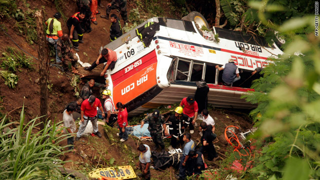 t1larg.bus.crash.afp.gi